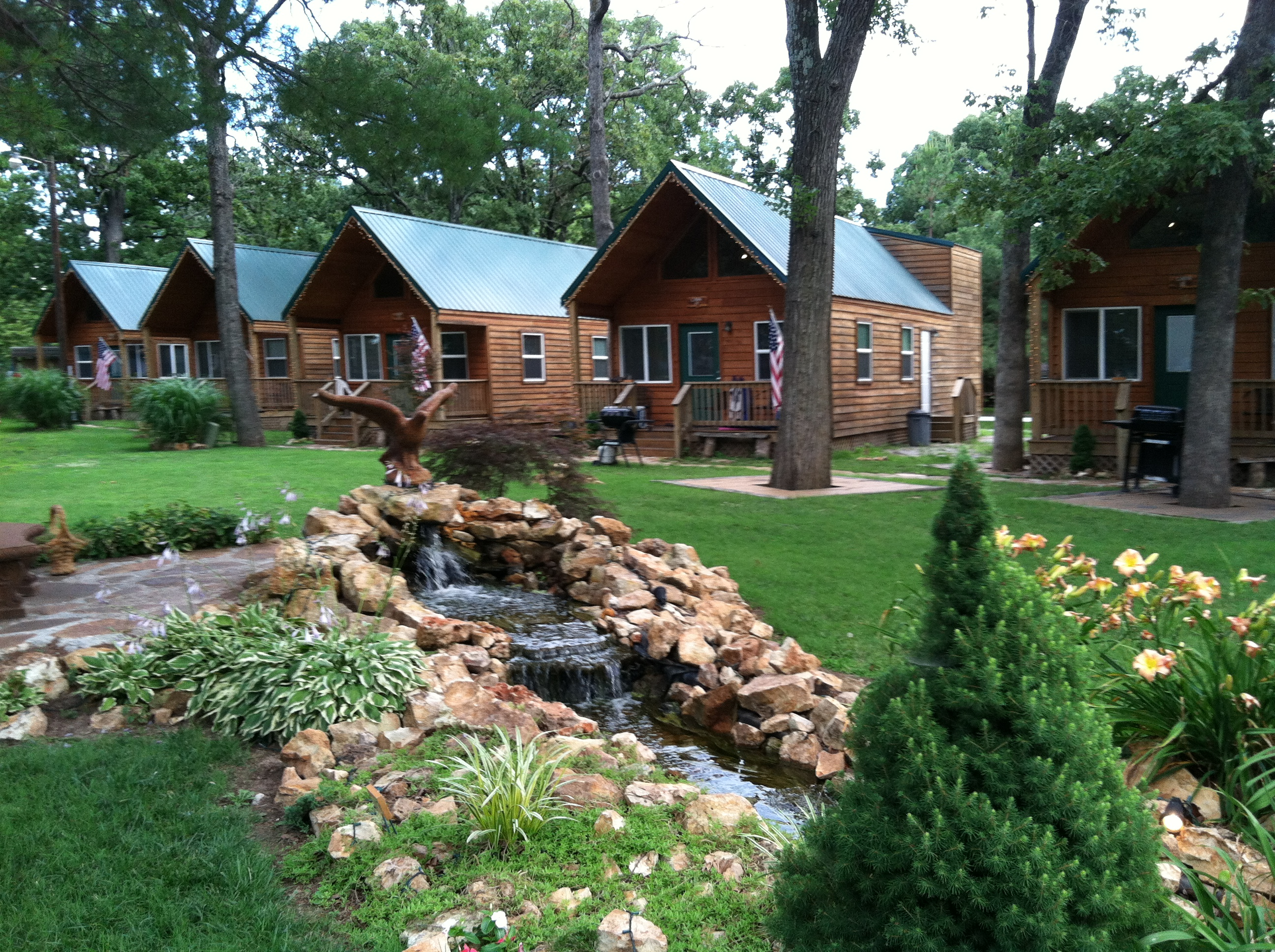 for cabins with in oklahoma rent davis hot tubs romantic eufaula